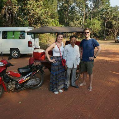 Happy clients of Tuktuk driver, Lem